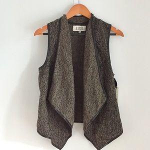 B.B. Dakota Black/Brown Waterfall Vest
